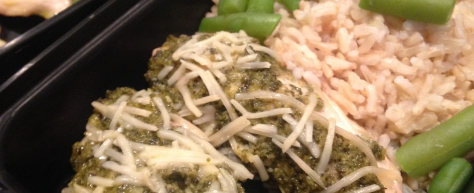 healthy pesto chicken with green beans and rice